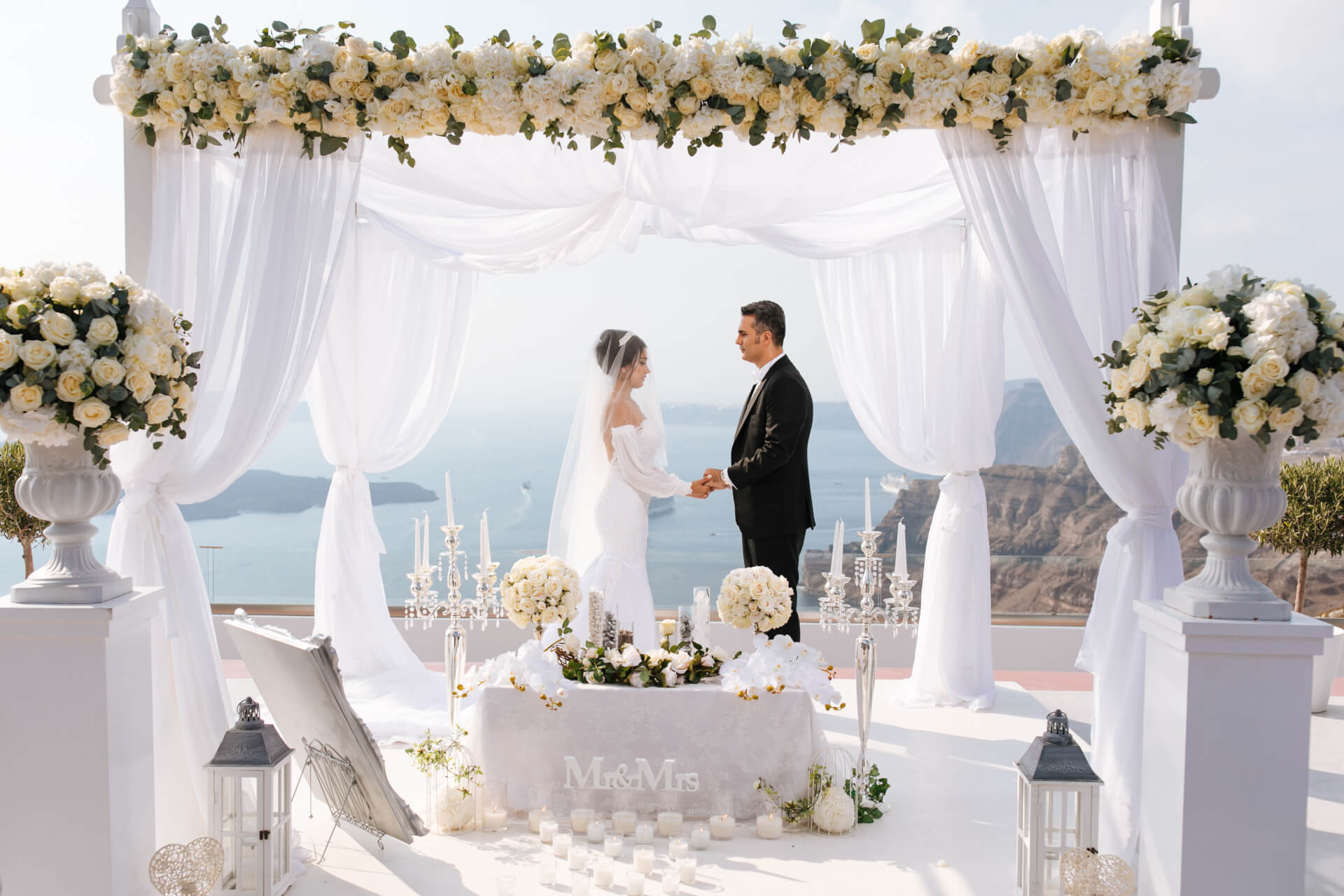 Happy Couples - Caldera Wedding - Santorini Gem